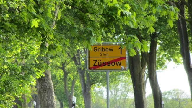 Ortsausgangsschild in Züssow