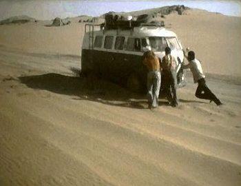 In der Sandwüste: Steckengeblieben!