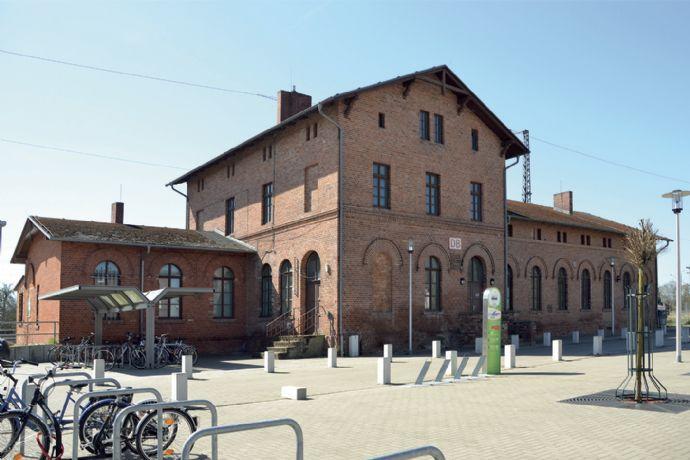 In Züssow kann man eher das Bahnhofsgebäude…